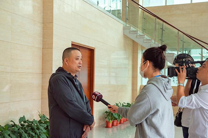 董事長胡志興接受采訪